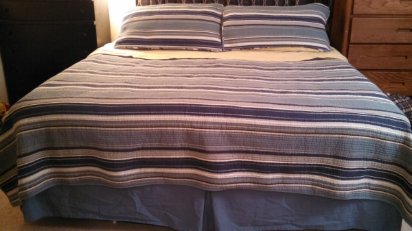 blue and yellow striped bedset